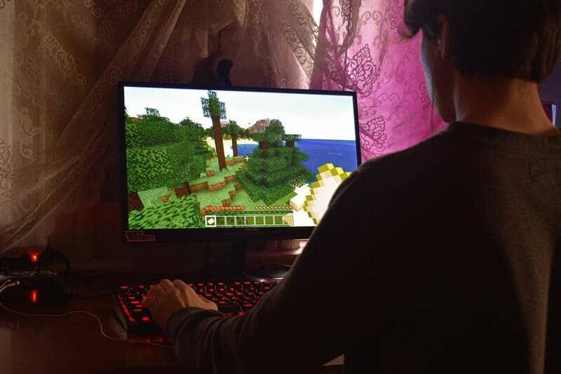 Un jeu sur un écran d'ordinateur